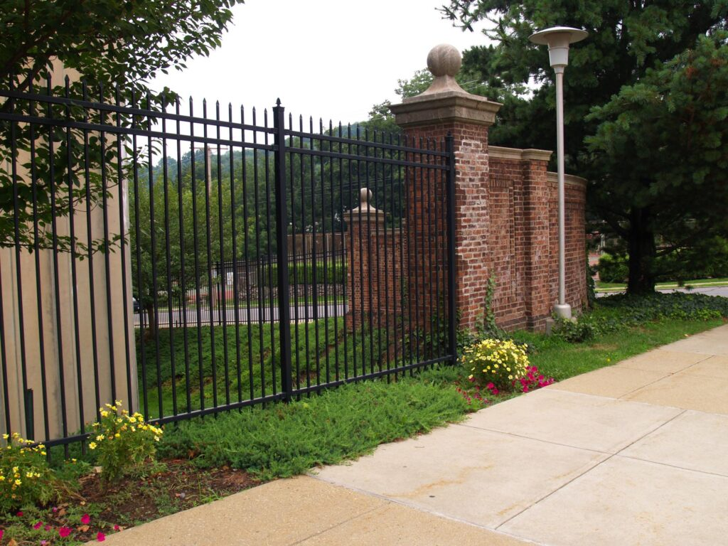 gate and fence builders